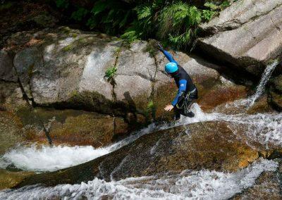 Toboggan debout dans le Canyon du Tapoul