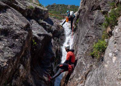 Descente en rappel dans le canyon du Torrent d'Albine