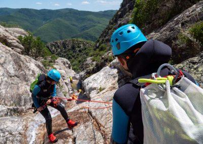 Rappel et paysage du canyon du Torrent d'Albine