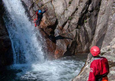 Saut dans le Canyon du Vialais