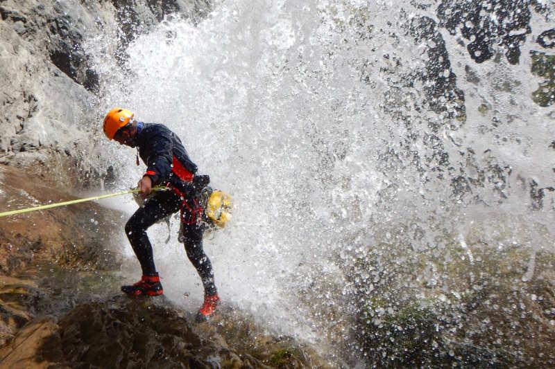 L'engagement et l'envergure, critères des cotations en canyoning