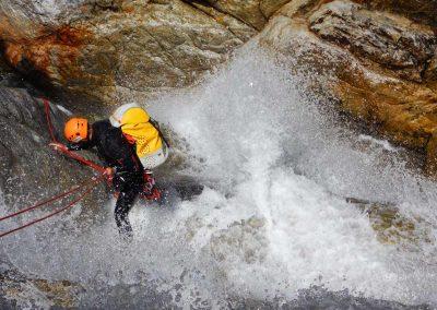 Eviter les obstacles et les gros mouvements d'eau dans les Pyrénnées-Orientales