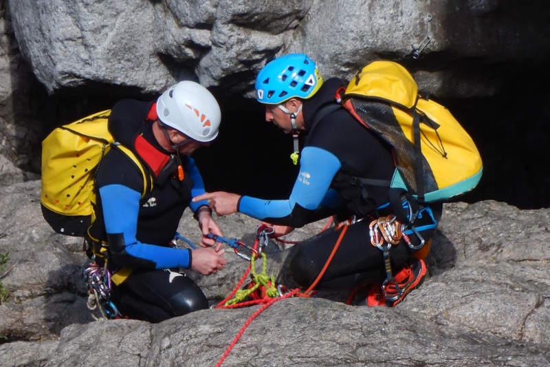 Formation de moniteurs de canyoning pendant le DEJEPS Canyonisme