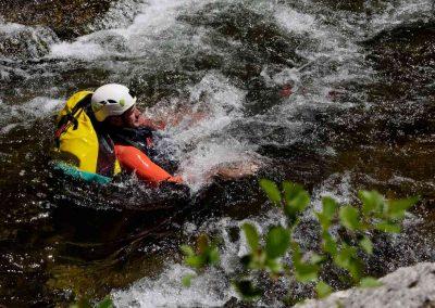 Descente d'une rivière en immersion nature