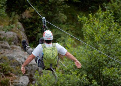 Tyrolienne au-dessus du Tarnon dans la via ferrata de Rousses en Lozère