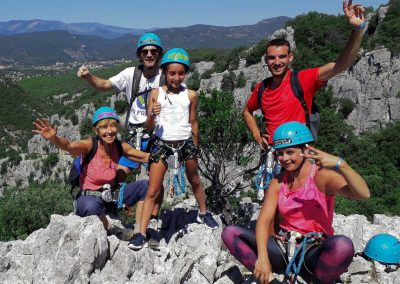 Photo de groupe à la fin de la via ferrata du Thaurac dans l'Hérault