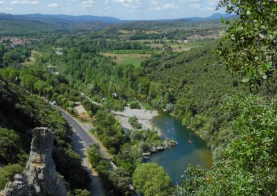 Vue sur le paysage des gorges de l'Hérault depuis la via ferrata du Thaurac dans l'Hérault