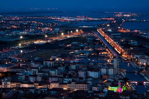 Vue sur Sète depuis le mont saint clair by night